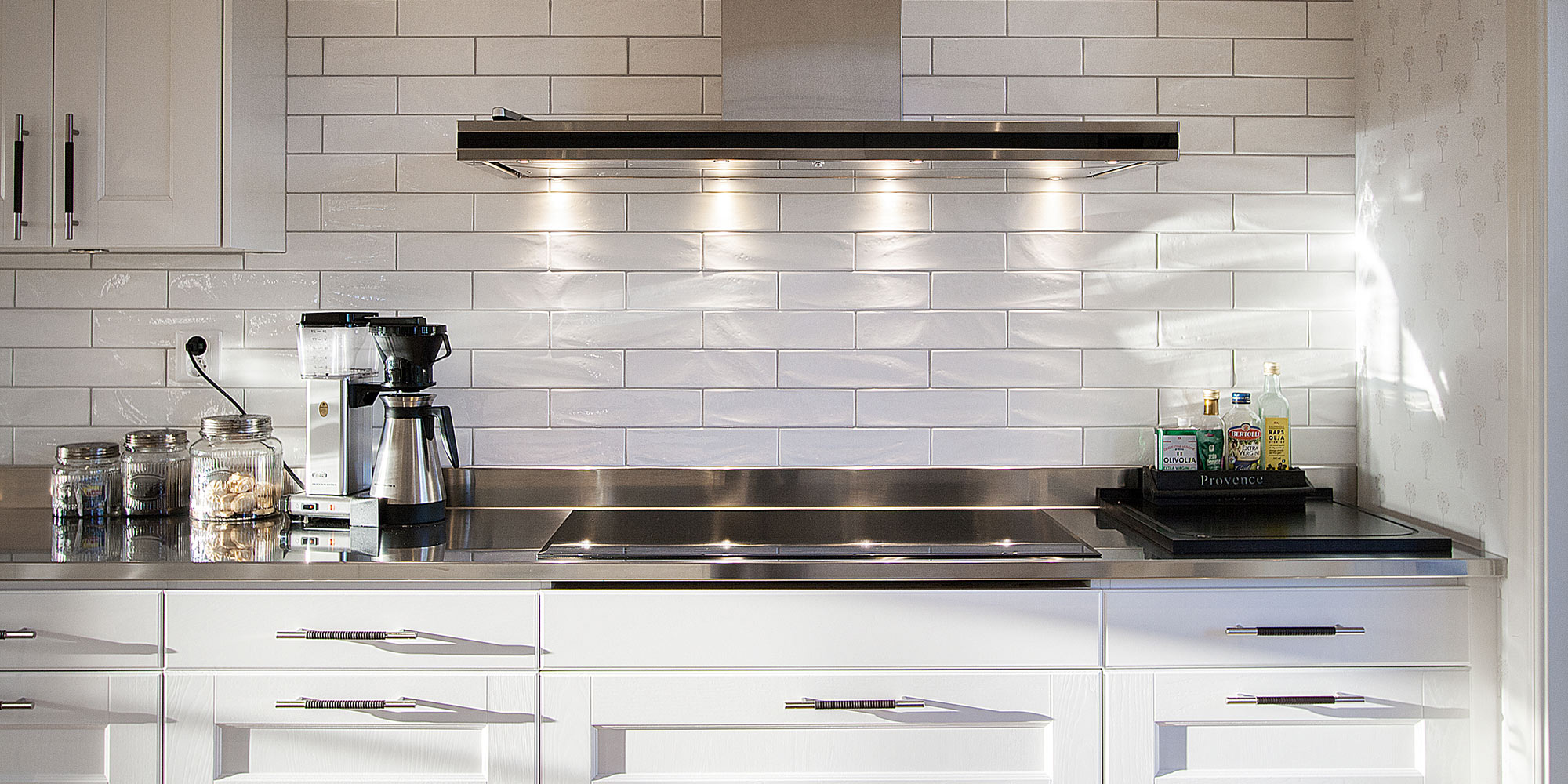 New yorker by settecento kitchen backsplash ideas for Modern zion kitchen